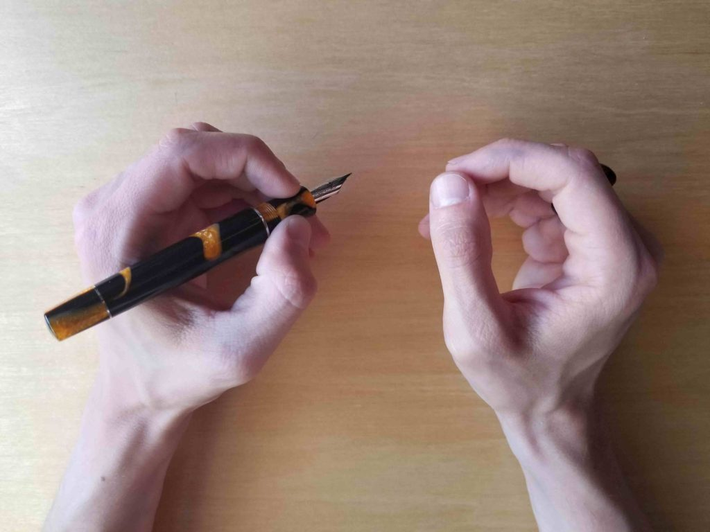 How to become ambidextrous in 6 EASY steps - Lettering Daily