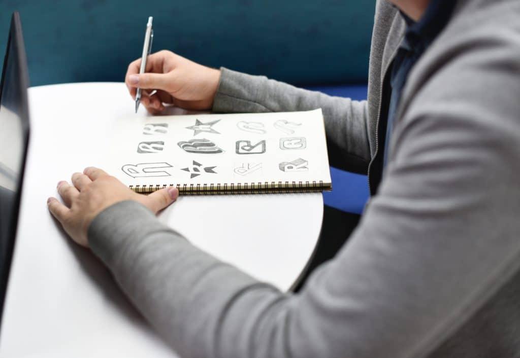 5 EASY Brush Lettering Tips - 2018 - Lettering Daily